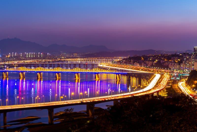 Han Gang i den Seoul staden royaltyfria bilder