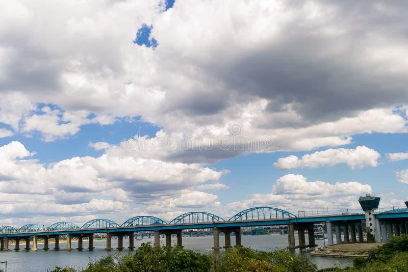 Han rzeki mosta mosta pejzażu miejskiego chmury hangang Korea obraz stock