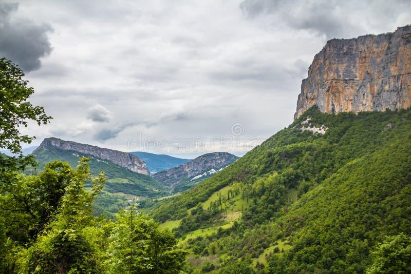 Han Vercors regionalt naturligt parkerar, ett skyddat område av forested berg i den Rhône Alpes regionen av sydöstliga Frankrike fotografering för bildbyråer