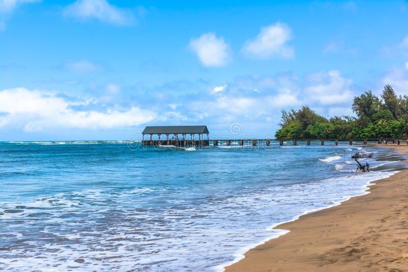 Hanalei海湾看法在考艾岛,夏威夷 免版税图库摄影