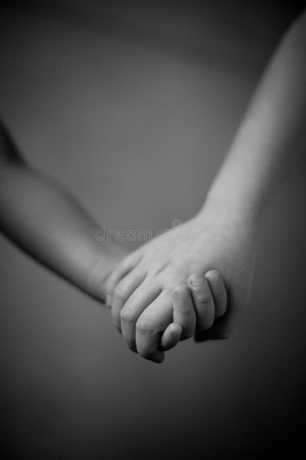 Hand in Hand lizenzfreie stockfotos