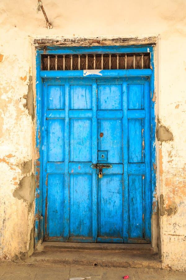 Free Hand Crafted Wooden Door At Zanzibar Stock Images - 44852904
