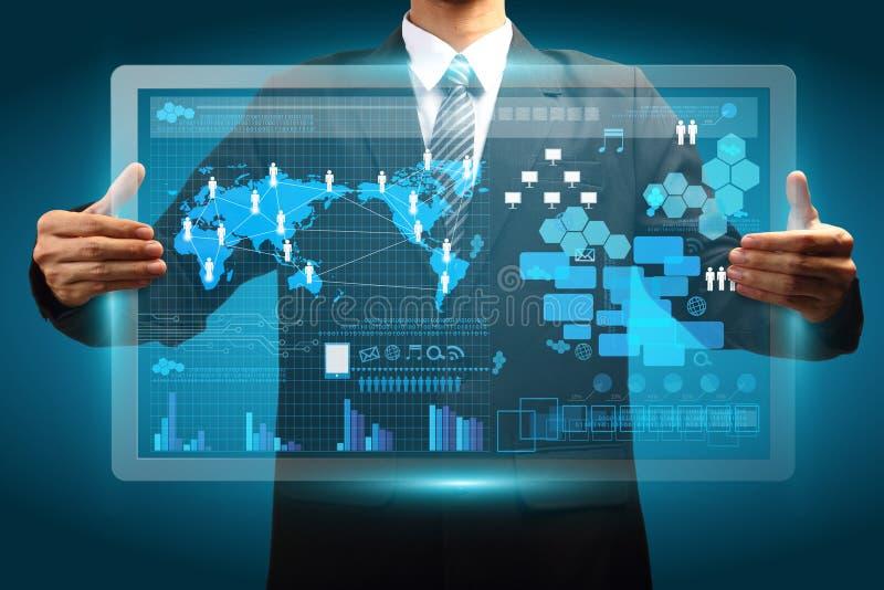 Hand die digitaal vurtual van de het bedrijfs schermtechnologie concept houden stock illustratie