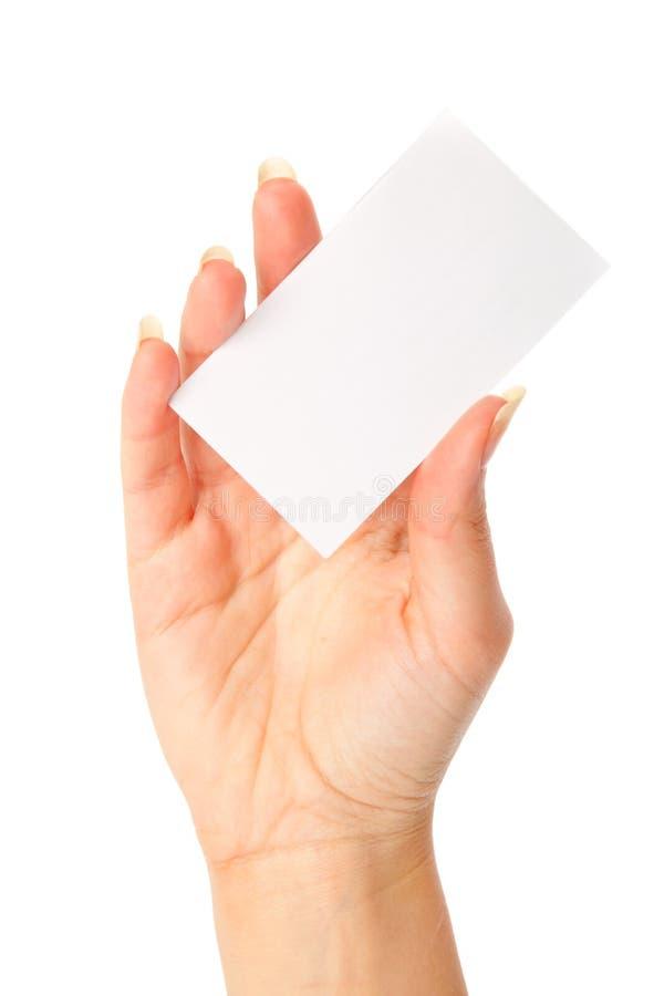 Hand, die eine unbelegte Visitenkarte anhält lizenzfreies stockfoto