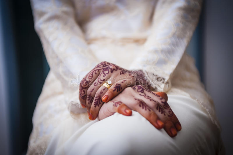 Hand die Henna draagt royalty-vrije stock fotografie
