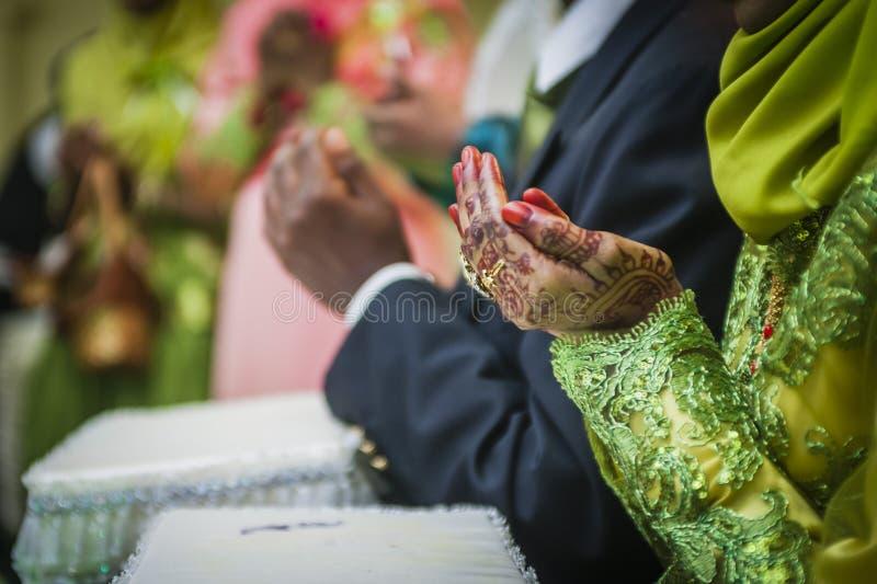 Hand die Henna draagt stock afbeelding