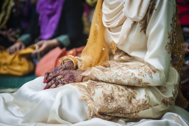 Hand die Henna draagt royalty-vrije stock foto's