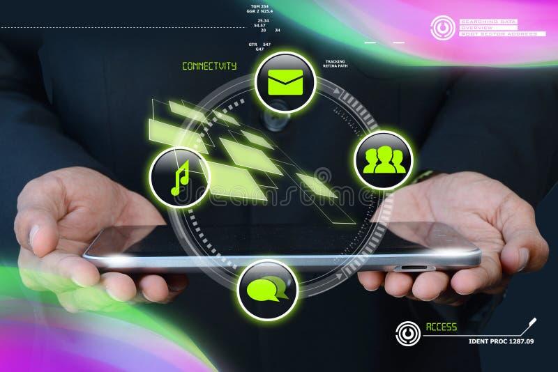 Hand, die intelligentes Mobiltelefon hält lizenzfreie stockfotografie