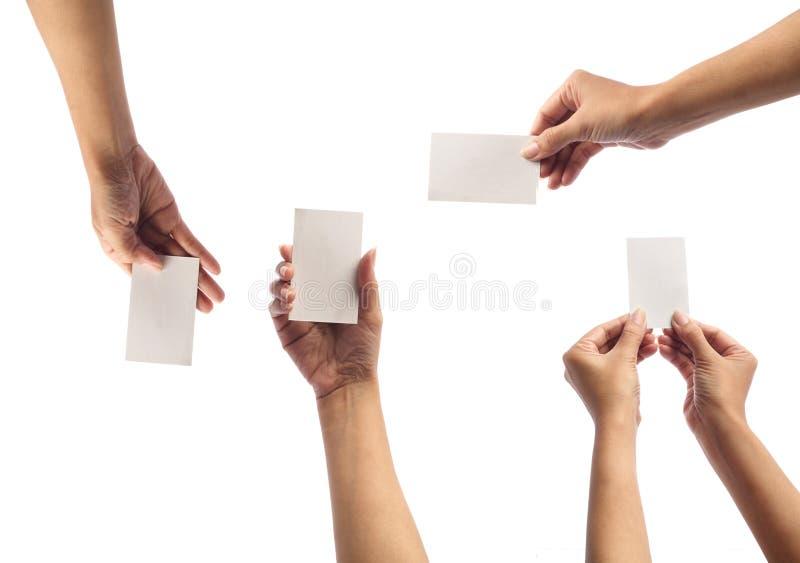 Hand, die leere Karte anhält stockbild
