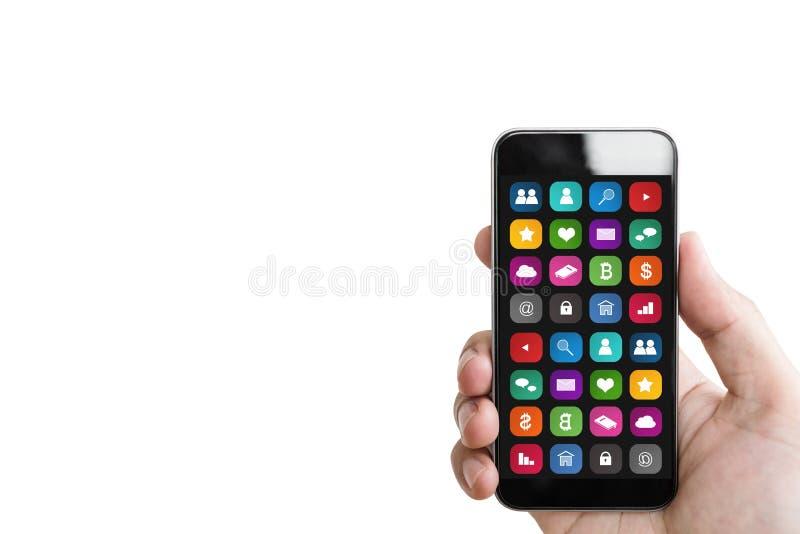 Hand die mobiele slimme telefoon, met mobiele die app op het scherm houden, op witte achtergrond wordt geïsoleerd stock foto