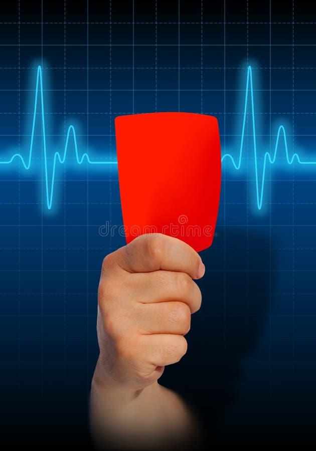 Hand die rode kaart op de monitor van het harttarief houden stock illustratie