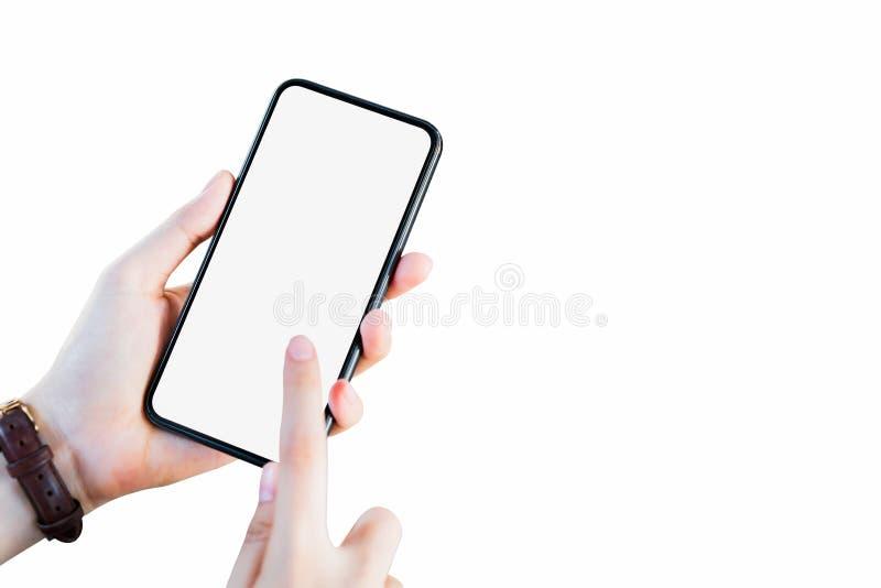 Hand, die Smartphoneleeren bildschirm auf lokalisiert h?lt Nehmen Sie Ihren Schirm, um an annoncieren zu setzen lizenzfreie stockfotos