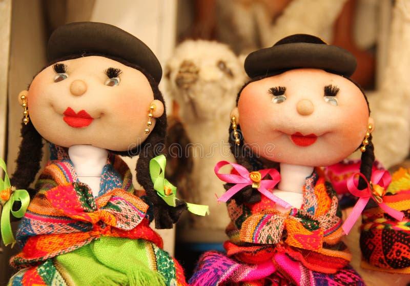 Hand - gemaakte poppen voor verkoop stock foto