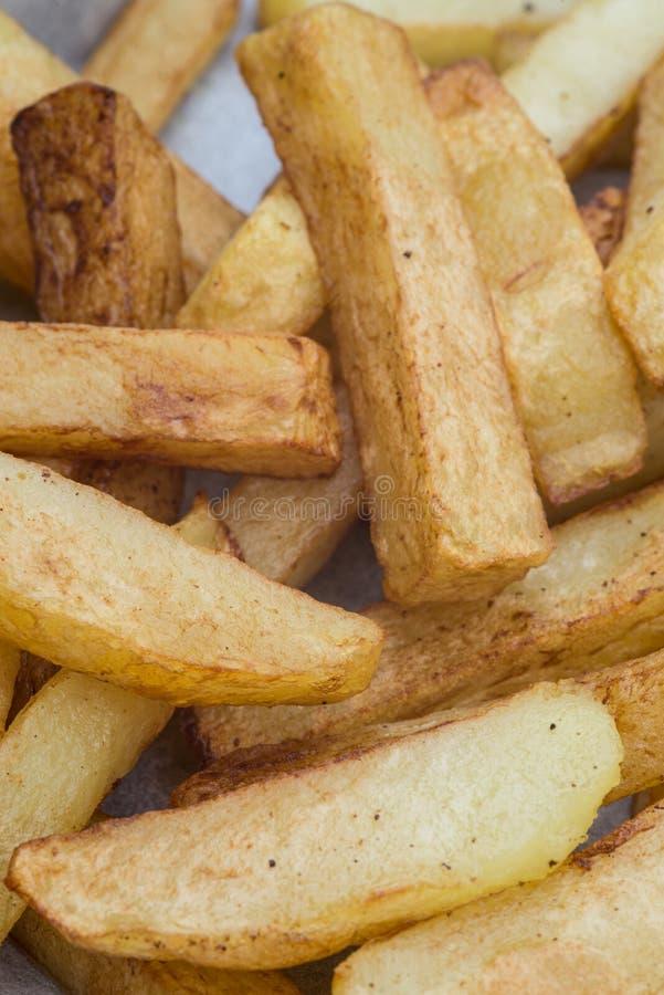 Hand geschnittene geschmackvolle Kartoffelchipfischrogen lizenzfreie stockbilder