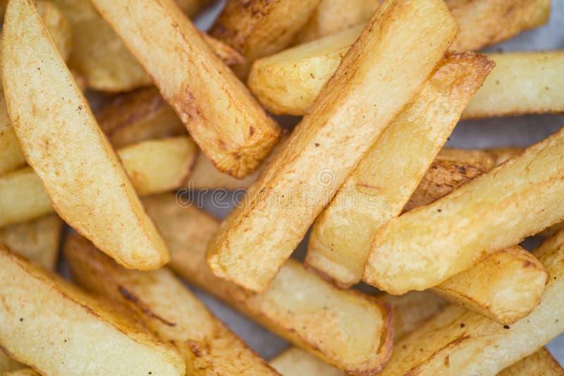 Hand geschnittene geschmackvolle Kartoffelchipfischrogen stockfotografie