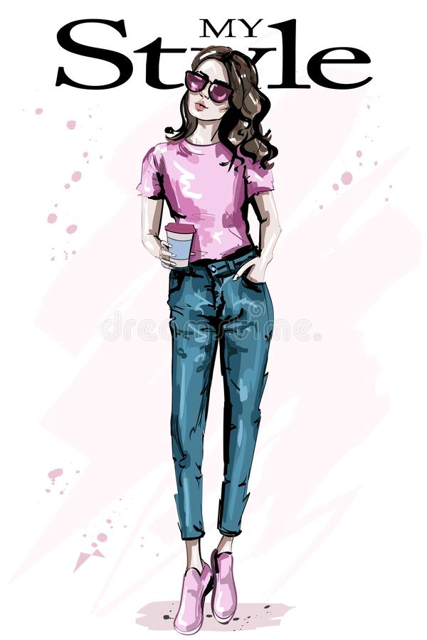 Hand gezeichnete schöne junge braune Haarfrau Stilvolles elegantes Mädchen Modefrauenausstattung lizenzfreie abbildung