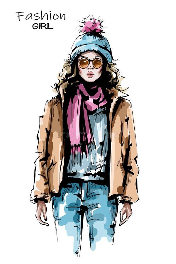 Hand gezeichnete schöne junge Frau in der Sonnenbrille Stilvolles Mädchen in der Winterkleidung Modefrauenblick skizze Auch im co vektor abbildung