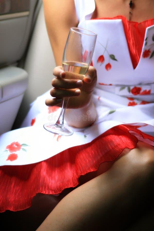 In hand het glas van de wijn royalty-vrije stock afbeelding