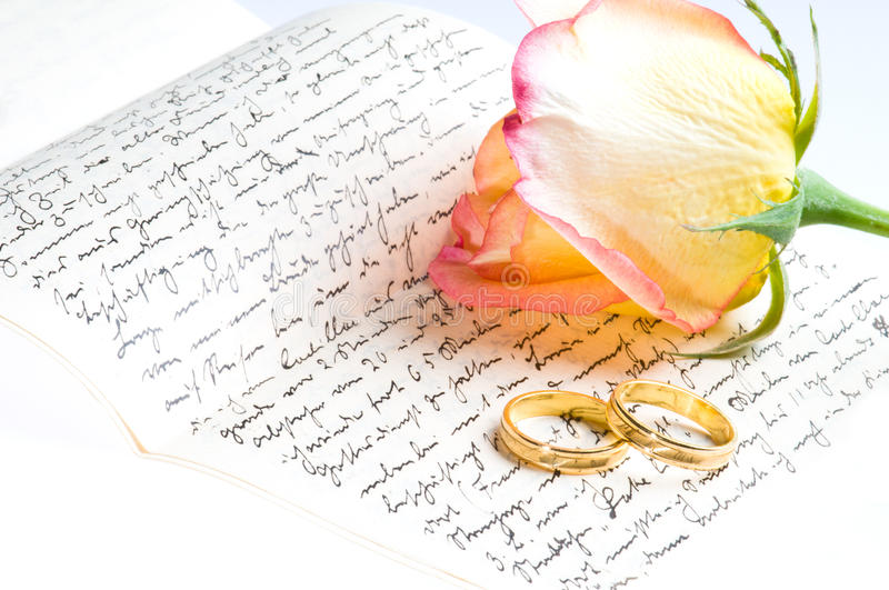 hand letter over red ring rose written yellow στοκ εικόνα