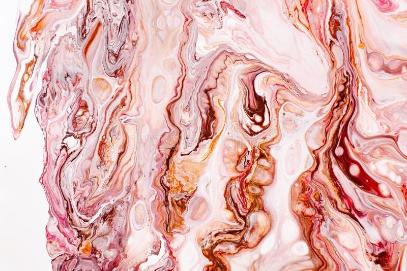 Hand målade bakgrunder Rosa, vita, bruna och gula blandade akrylmålarfärger Vätskemarmortextur Tillämpbart för royaltyfria foton