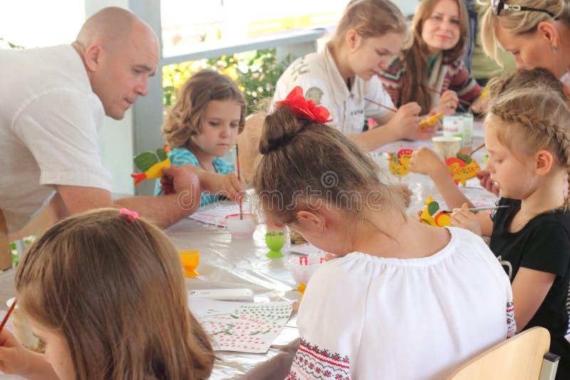 Hand-målade barns idérika leksaker fotografering för bildbyråer