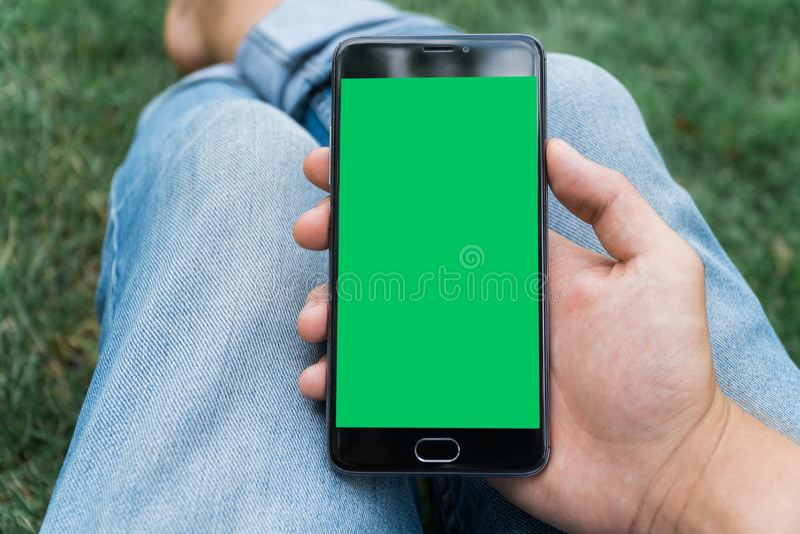 эталонный фотографии с телефона получаются зеленые мэлисон
