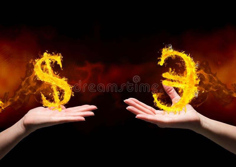 hand med den dolar brandsymbolen över och hand med eurobrandsymbolen över Svart och röd bakgrund (för brand) royaltyfri foto