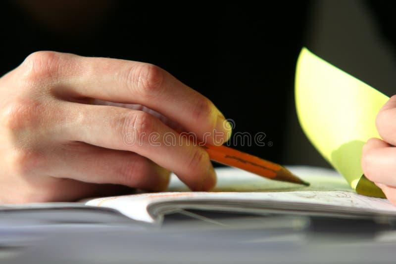 Hand met potlood royalty-vrije stock fotografie