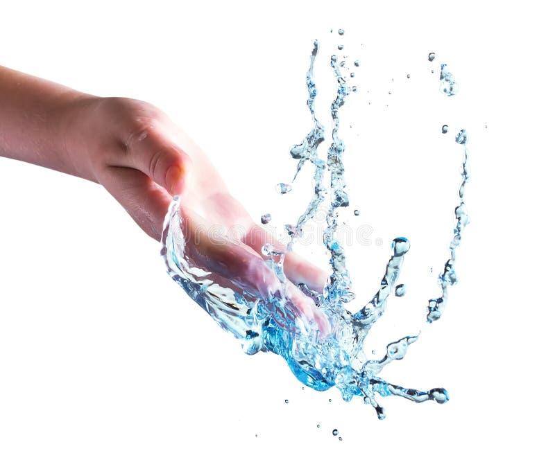Hand mit dem Wasserspritzen lokalisiert auf dem weißen Hintergrund stockfotografie