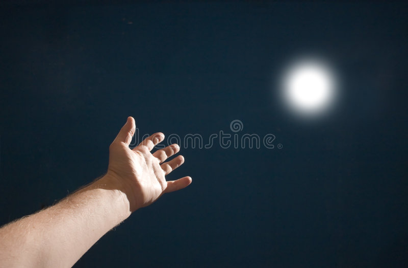 Hand naar de zon stock afbeeldingen