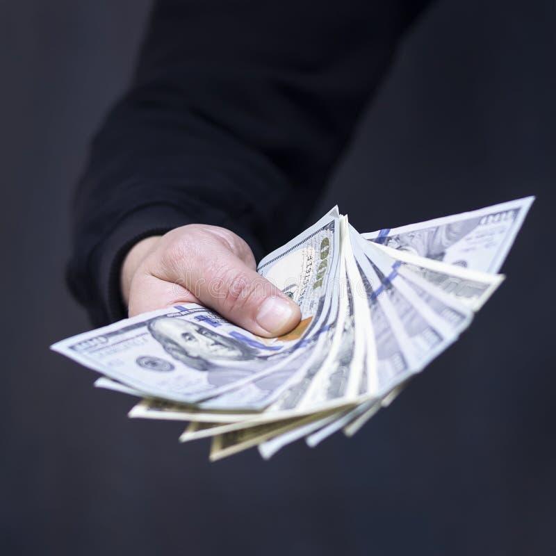 Hand på kassa Finans korruption Olagliga transaktioner arkivbild