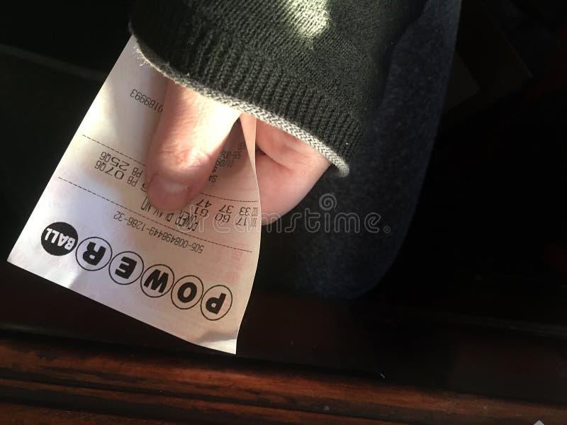 In Hand Powerballkaartje royalty-vrije stock foto's