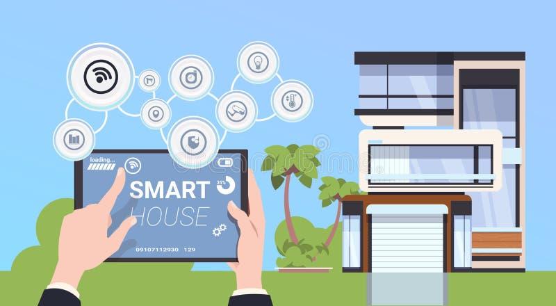 Hand som rymmer den Digital minnestavlan med begrepp för manöverenhet för system för för Smart hemkontroll och administration vektor illustrationer