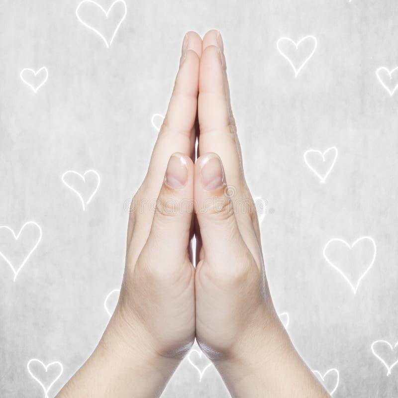 Hand- und Herzhintergrund, Kopienraum lizenzfreies stockbild