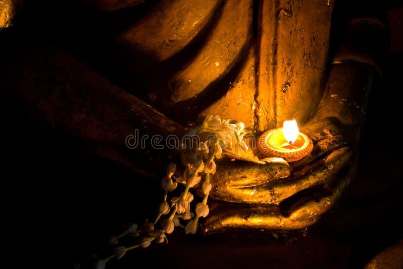 Hand von Buddha-Bild stockfotos