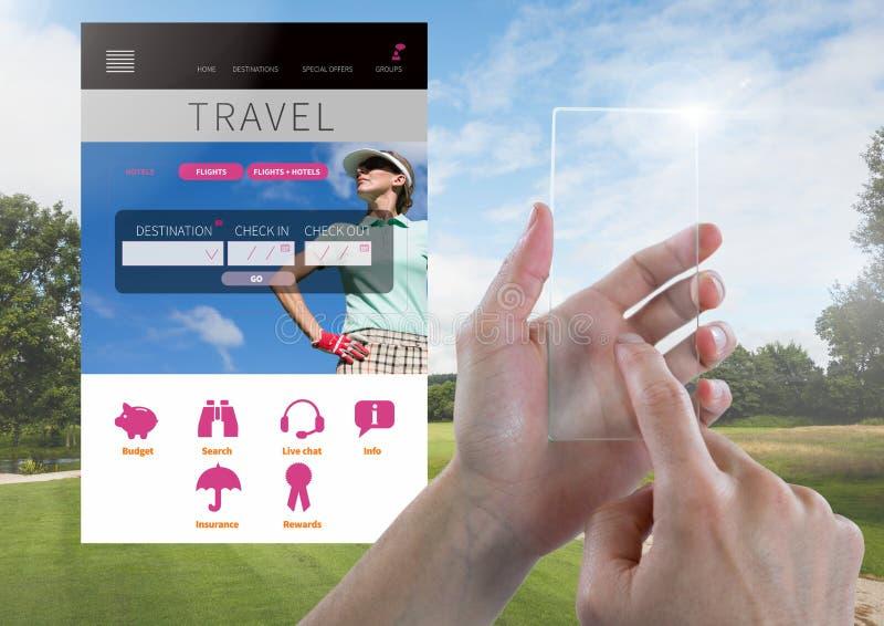 Hand wat betreft Glastablet en de onderbrekingsapp van de Vakantiereis Interface met golf royalty-vrije stock foto's