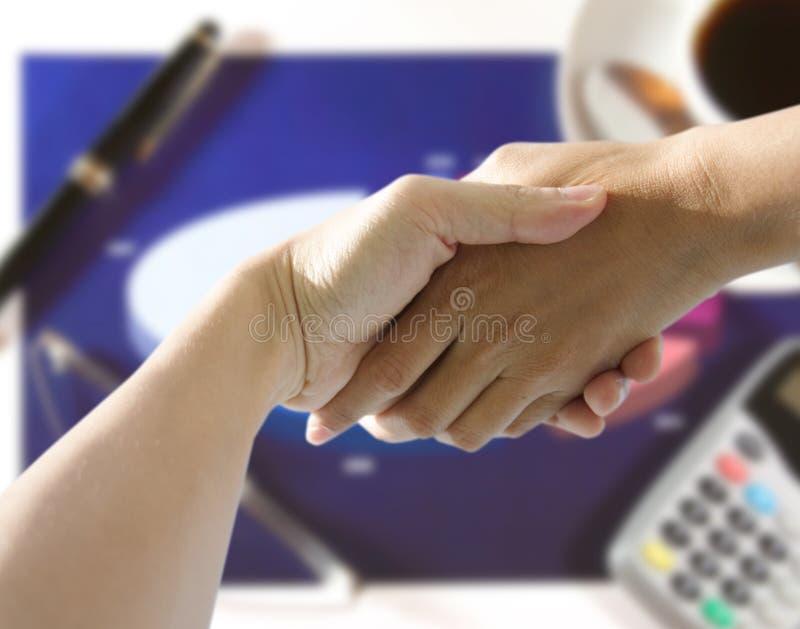 Handanhalten stockbilder