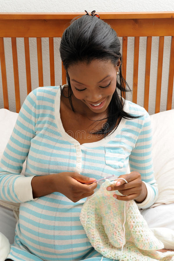 handarbetegravid kvinna royaltyfria foton