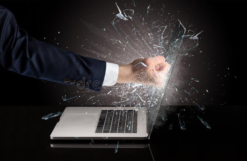 Handboxender Laptopschirm lizenzfreie stockbilder