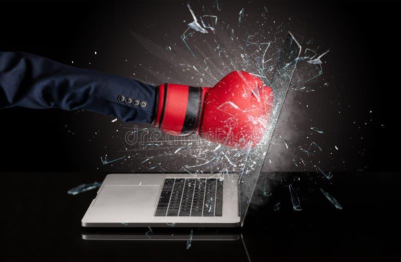 Handboxender Laptopschirm lizenzfreies stockbild