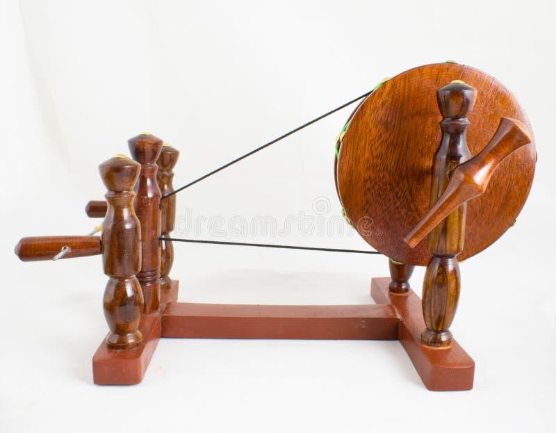 Handcraft la ruota di filatura di legno - l'indiano Charkha fotografie stock libere da diritti