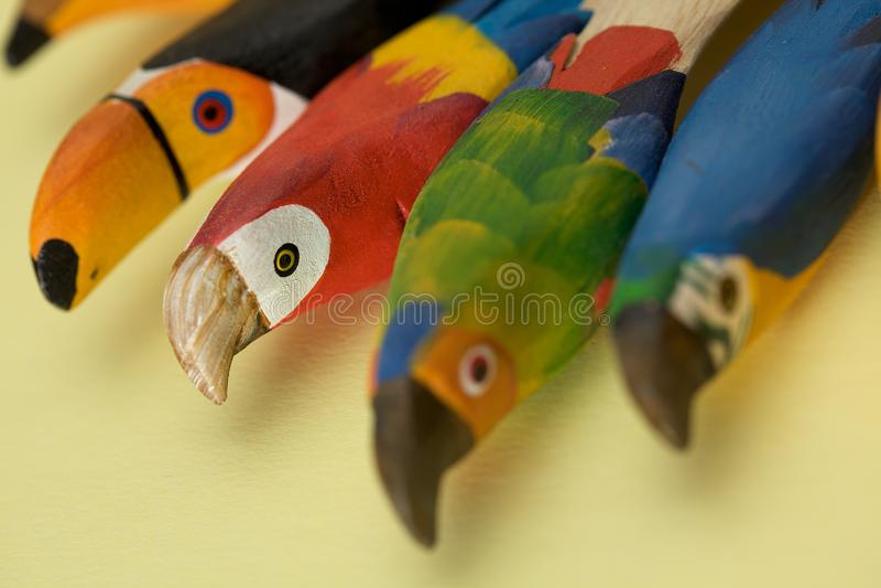 Handcraft Papageien stockbild