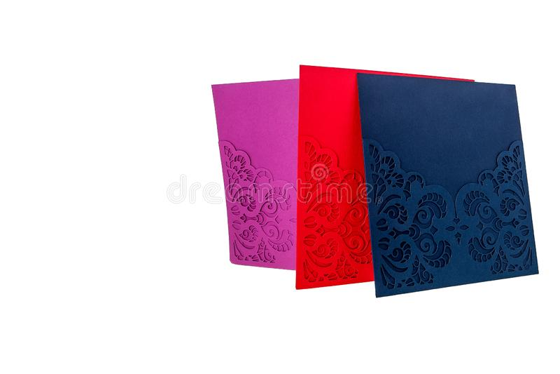 Handcrafted карточка подарка отрезала из multicolor дизайнерской бумаги стоковые фотографии rf