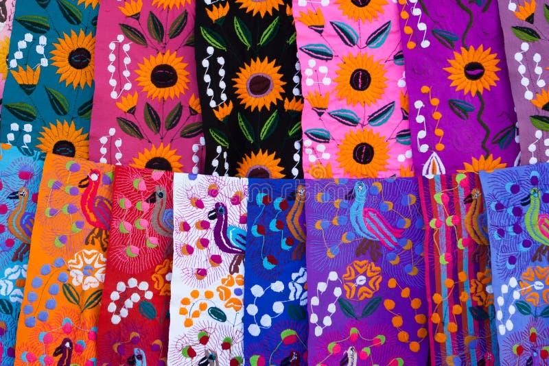 Handcrafts på den San Juan Chamula marknaden, Chiapas, Mexico arkivbilder