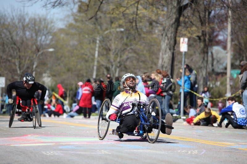handcycle deltog racersthrullstolen arkivfoto
