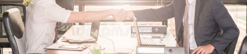 Handdruk van bedrijfsmensen stock foto