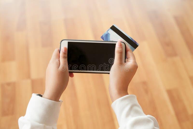 Download Handel Elektroniczny I Online Zakupy Pojęcie Obraz Stock - Obraz złożonej z nowożytny, telefon: 106901113