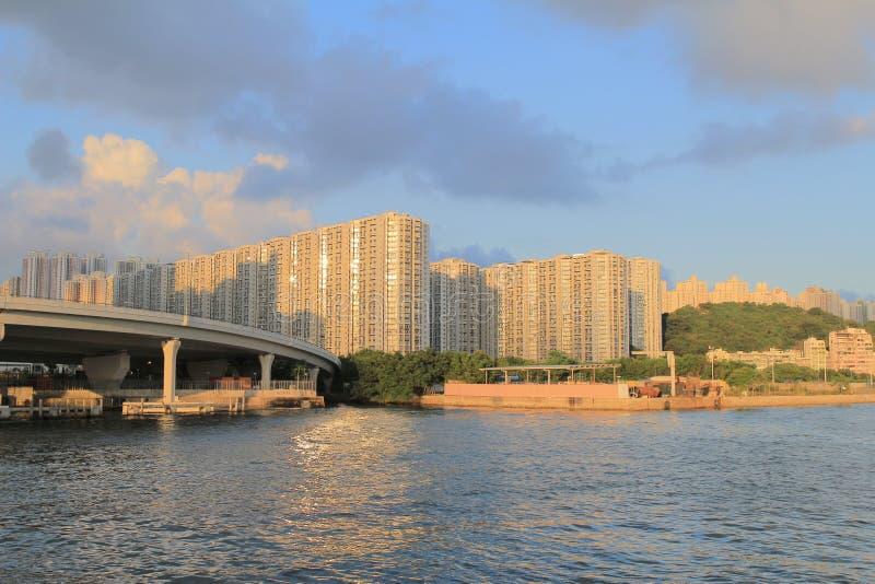 Download Handel, Industrie En Industriezone Met Kwun Tong Bypass Stock Afbeelding - Afbeelding bestaande uit vuil, installatie: 54076907