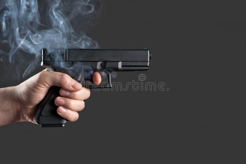 Handeldvapen arkivfoton
