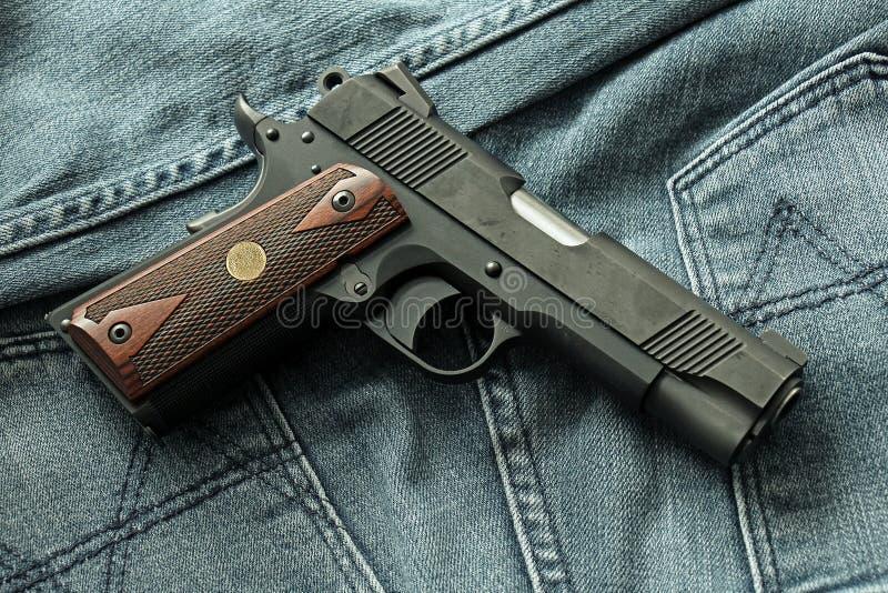 Handeldvapen som är halvautomatisk royaltyfri fotografi